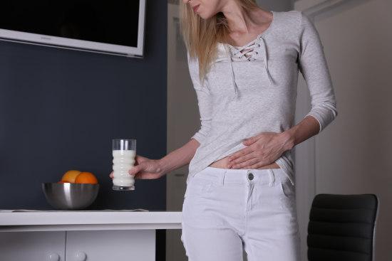 ból brzucha przy skazie białkowej